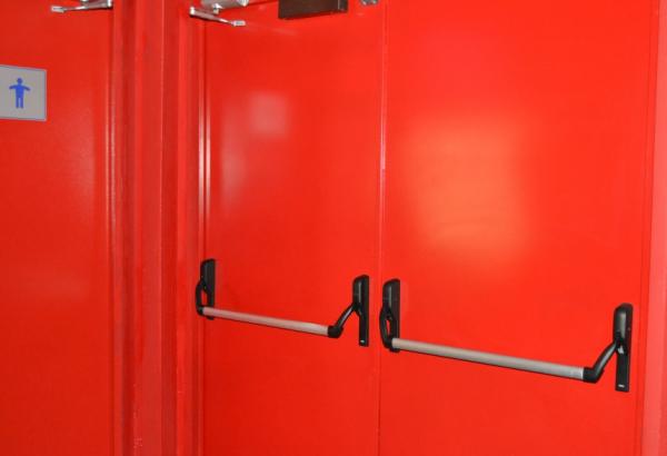 дверь металлическая противопожарная с антипаникой