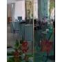 Зеркальные витражи: техника создания и особенности использования в интерьере