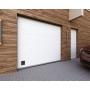 Нужно ли устанавливать гаражные двери?