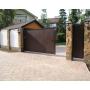 Сдвижные ворота — удобный вариант для дома