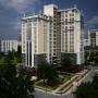 Связь времен: окна REHAU в зданиях в стилистике сталинского ампира