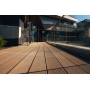 Декинг для любых проектов: от обустройства зон отдыха во дворе дома до отделки пространств у бассейнов