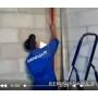Монтаж и установка штукатурных маяков на стены видеосюжет с места проведения работ