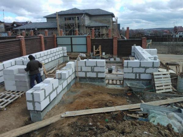 Блоки строительство дома своими руками от и до
