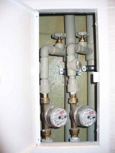 Установка счётчиков воды в туалете своими руками