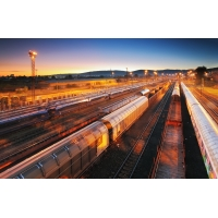 Железнодорожным транспортом