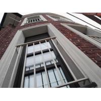 Монтаж декоративных элементов на фасад