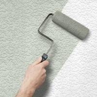 Оклейка стен обоями под покраску