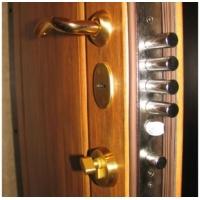 Установка, производство. Двери металлические, деревянные