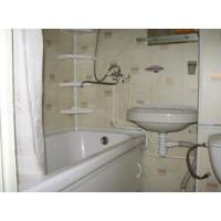 Пластиковая отделка стен ванной или кухни