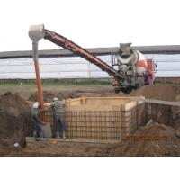 Доставка бетона миксером с лентоподачей