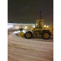 Уборка снега трактором