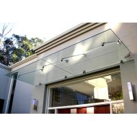 Изготовление стеклянных козырьков над входом согласно вашему дизайн-проекту