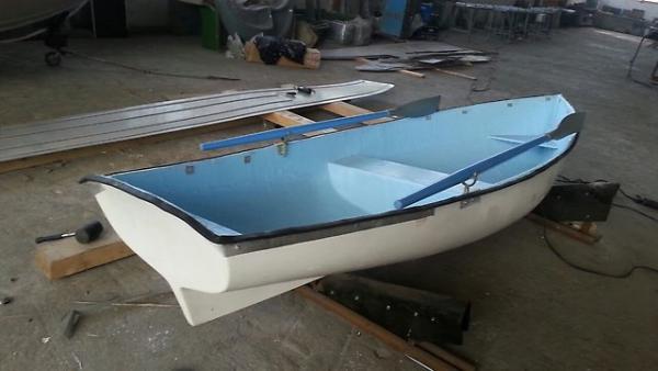 Конструктор пластиковый пикап лодкой