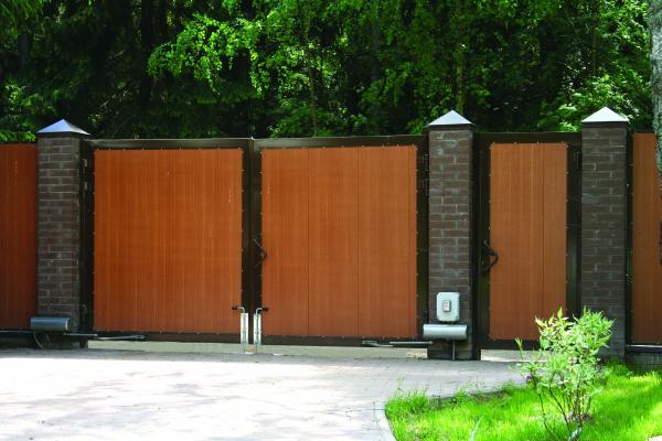 фото простых деревянных двухсторонних распашных ворот для
