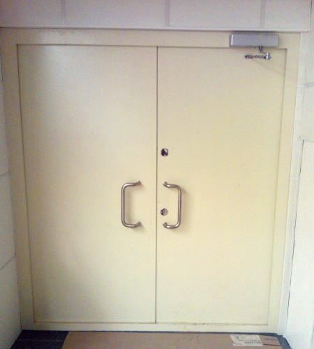 металлические пуленепробиваемые двери