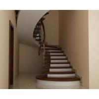 Бетонные  монолитные лестницы