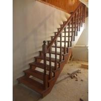Лестница на косоурах из сосны