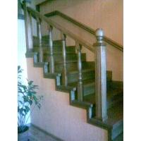 лестницы из массива дерева  деревянные лестницы