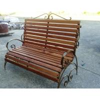 Кованая скамейка с деревянным покрытием из Сибирской лиственницы