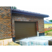 Ворота подъемные секционные в гараж