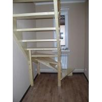 Лестница для дома и дачи на заказ  поворотная из сосны без подступей