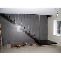 Лестница из лиственницы. Облицовка металлокаркаса. 2015 год.  Консольная лестница
