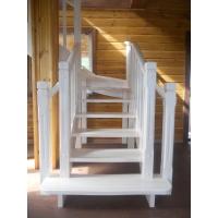 Лестница деревянная на второй этаж ДЕКОН С поворотом