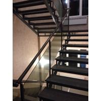Перила со стеклом для лестниц