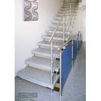 Лестницы на больцах для многоквартирного дома.