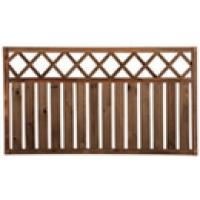 Деревянный забор в виде штакетника